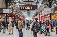 (Something) waiting to happen (Nodding Pig) Tags: marylebone london railway station train england greatbritain uk 2017 passengers concourse chilternrailways 201709308112101 musicalreference