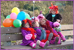 Kindergartenkinder ... (Kindergartenkinder) Tags: kindergartenkinder annette himstedt dolls sanrike tivi gruga grugapark essen karneval fasching annemoni milina kugel gras
