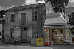 Old & new (FBK1956) Tags: shop house haus greece canoneos700d canoneos canon κρήτη old alt 2014 griechenland kreta neapolis