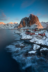 Hamnøy (thomasfejeregyhazy) Tags: ngc berge hamnøy landscape landschaft lofoten lofoten2018 meer mountain natur nature norway norwegen sea sonnenaufgang sunrise winter