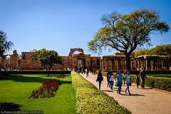 Delhi - Qutub Complex (Robert GLOD (Bob)) Tags: park unesco qutub delhi in ind india
