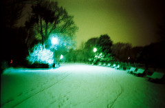 Blurred Nights (014) (romain@pola620) Tags: lomo lomography lca 100 100iso 35 35mm blur blurry flou nuit night light lumière accident green vert film pellicule analog analogue analogique argentique low lowfi vintagecamera vintage grain snow neige