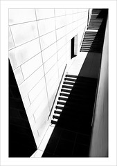 Eixida / Exit (ximo rosell) Tags: ximorosell bn blackandwhite blancoynegro bw buildings barcelona llum luz light llums arquitectura architecture abstract abstracció stairs nikon d750