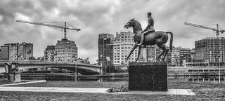 Liège -Statue du Roi Albert