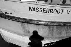 Wasserboot V (Von Noorden) Tags: noiretblanc einfarbig wand black white blackandwhite bw sw schwarzweiss topv germany schwarz weiss weis schwarzweis shade monochrome plain lübeck travemünde museum hafen habour ship boeat boot schatten rust rusty river untertrave obertrave fregatte norden exspired city neustadt urban unesco spring