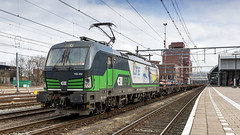 LTE 193 262 awaiting it's departure at Amersfoort central station (Nicky Boogaard) Tags: lte 193 262 awaiting its departure amersfoort central station 193262 vectron siemens siemensvectron ell europe