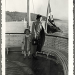 Archiv FaMUC232 Münchner Familie, Fahrt auf dem Starnberger See, 1930er thumbnail