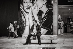 shopping (Gerard Koopen) Tags: spanje spain malaga city people outside shopping bench bw blackandwhite blackandwhiteonly candid straat street straatfotografie streetphotography fujilovers fujifilm fuji xpro2 35mm 2018 gerardkoopen
