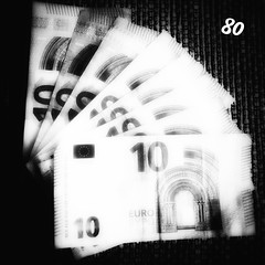 Dag 80  #365photochallenge #day80 #2018 #photoaday #photoeveryday #365project #project365 #dailypic #dailyphoto #money #euros #10 #noir #multiply #snapseed #iphone7plus (amlammers) Tags: 365photochallenge day80 2018 photoaday photoeveryday 365project project365 dailypic dailyphoto money euros 10 noir multiply snapseed iphone7plus