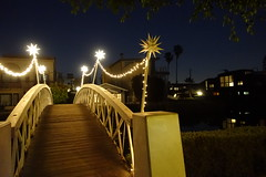 Venice Canals DSC02099 (108050i) Tags: la california canal walkingbridge bridge dogtown rx100m3 venicecanals losangeles stars