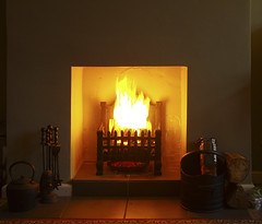 Open fire (Graham Woodward) Tags: openfire logfire smokelessfires realfire