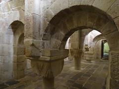 Cripta capiteles Monasterio de San Salvador de Leyre Navarra 06 (Rafael Gomez - http://micamara.es) Tags: cripta monasterio de san salvador leyre navarra capiteles leire iglesia bajos cimiento