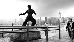 Bruce Lee statue (John (Thank you for >2 million views)) Tags: 7dwf sculpture statue avenueofstars salisburyroad candidphotography streetphotography kowloon hongkongharbour hongkong travelphotography brucelee