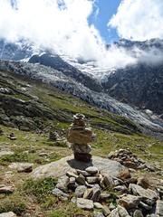 Cairn (Manon Ridet) Tags: hautesavoie été europe montagne montblanc mountain chamonix cairn rhônealpes randonnée rocher paysage panorama