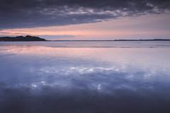 2461 (Keiichi T) Tags: 空 6d cloud 雲 朝 winter 光 eos canon 日本 lake 湖 ice リフレクション 水 冬 reflection morning japan 氷 water light sky