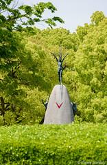 Children's Peace Monument (eliseteshiraishi) Tags: hiroshimashi japan landscape monumentodapaz praçadapaz aoarlivre artes atômico colorful criança daytime destruido dia monumento museudehiroshima nature outdoor parque paz pássaro hiroshimaken japão childrenspeacemonument