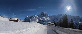 Winter's sunshine over Murren and the Jungfrau Mountain.Izakigur 19/02/2018 11:51:08 .
