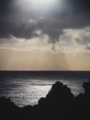 Océano Atlántico (miemo) Tags: atlanticocean canaryislands islascanarias puntadeteno tenerife em5mkii europe horizon landscape nature ocean olympus olympus1240mmf28 omd sea spain sunlight travel winter buenavistadelnorte canarias es