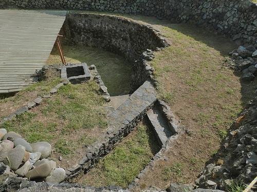 oltár, ktorý bol v jame