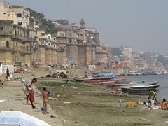 varanasi 2017 (gerben more) Tags: varanasi benares cityview ganges ganga palace river india people boat ghats