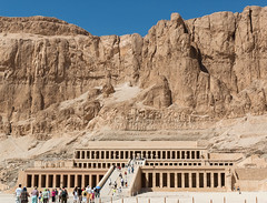 At the Funerary Temple of Hatshepsut (Les Koppe Photography) Tags: egypt luxor landscape people