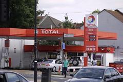 Total, Ilford London. (EYBusman) Tags: total petrol gas gasoline filling service station garage romford road ilford greater london gulf shell eybusman