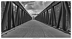 Behelfsbrücke / bailey bridge (JKP14) Tags: einfarbig strasse brücke bayern linien