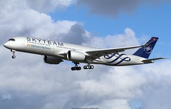 """Vietnam Airlines Airbus A350-900 VN-A897 """"Skyteam livery"""" (Planes Spotter And Aviation Photography By DoubleD) Tags: vietnam airlines skyteam livery paint scheme special colors liners jet aircraft avionsplanes aviation first flight toulouse lfbo registration test fwzfn vna897 airbus xwb a350 a350900 france canon spotters aero air landing rolls royce engines eos blagnac commercial"""