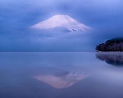 Lake Yamanaka misty morning (shinichiro*) Tags: 20180313ds51942hdr 2018 crazyshin nikond4s afsnikkor2470mmf28ged fuji japan spring march lakeyamanaka nik hdr 39885612415 2525441 201803gettyuploadesp 201804みくりや