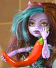 Pass the chilli, Clawdeen. (Clarice.Asquith) Tags: chilli homegrown thai clawdeen wolf great reef monster high scarrier