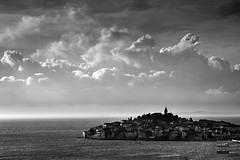Primosten, Croatia (pas le matin) Tags: sky ciel ocean sea mer landscape seascape city beacu ville croatia croatie europe europa hrvatska world travel voyage canon 7d canoneos7d eos7d