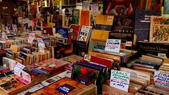 Feria del Libro Antiguo y de Ocasión. Valencia, marzo 2018 (j.torresgrifol) Tags: libro feria antiguo ocasion movil fallas valencia colorido