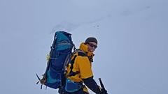 ascent towards Bachfallferner (formilock) Tags: bachfallferner ernstrimlspitze winnebachseehütte winnebach stubaieralpen stubai alpen alps alpi alpes austria alpine berge snow schnee skitour schi schitour mountains montagnes mountain tirol