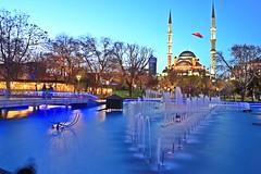 Kültür Park (Mehmet Çok) Tags: su işık long exposure uzun pozlama camii mosque park common light ağaç tree turkey konya kış mavi manzara landscape