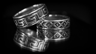 Cracked silver rings