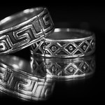 Cracked silver rings thumbnail