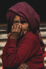 Nepal (Enricodot) Tags: enricodot nepal people persone red woman women portrait portraits travel