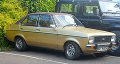 WPT 550V (Nivek.Old.Gold) Tags: 1980 ford escort 16 ghia automatic 4door mk2