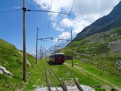 Tramway du Mont Blanc. (elsa11) Tags: tramwaydumontblanc niddaigle saintgervaislesbains train tramway rackrailway mountains alps alpen alpes montagnes france frankrijk hautesavoie auvergnerhonealpes