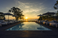 BaanYuYen (Atit Pth) Tags: sunset sunlight seaview swimmingpool home villa
