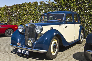 MG YA 1¼ Saloon* 1949 (7709)