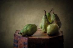 Peras (JACRIS08) Tags: verde peras stilllife bodegon texturas