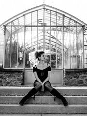 Serres d'Auteuil (Nathanaël Photo) Tags: 75016 cheveuxlongs collant france modèle nora paris parisbyelles robe serresdauteuil uneseulefemme
