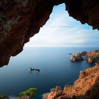 Natural Frame ... Cap Dramont