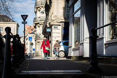 Nantes - Mars 2018 (Maestr!0_0!) Tags: rue street people candid n nantes couleur rouge light shadow ombres