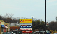 ShopRite (Waterbury, Connecticut) (jjbers) Tags: february 24 2018 connecticut waterbury shoprite former price chopper supermarket grocery store road sign