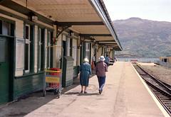 Kyle of Lochalsh station (1), 1989 (Blue-pelican-railway) Tags: scotland kyleoflochalsh railway station highlands film kodakgold200