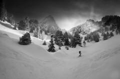 Ski de rando (larbinos) Tags: randonnée pentax k5 sport hiver winter isère grenoble chamrousse france montagne montain belledonne landscape paysage ski skiderandonnée igersgrenoble noir noiretblanc blackandwhite