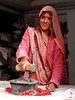 Repasseuse à Rajnagar ( Madhya Pradesh). (Gilles Daligand) Tags: inde rajnagar khajuraho portrait repasseuse femme ironing