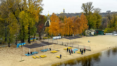 Kiev: Hydropark (Jorge Franganillo) Tags: kiev kyiv hydropark park beach playa parque cloudy cityscape paisajeurbano otoño autumn kyivcity kyivskaoblast